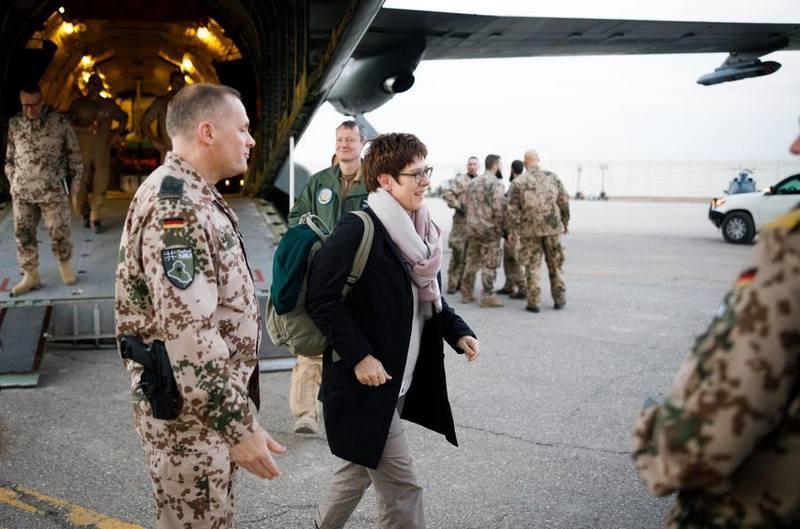 Министр обороны ФРГ Аннегрет Крамп-Карренбауэр посетила своих солдат в Афганистане.
