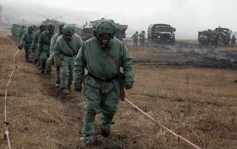 Во всех армиях развитых стран есть специализированный вид войск - радиационной, химической и биологической защиты.