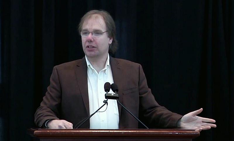 Доктор Джеймс Лайонс-Вайлер пришёл к выводу, что определённый сегмент ДНК заражающего человечество вируса мог быть получен исключительно лабораторным путём.