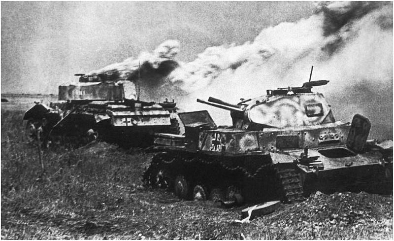 Советские танкисты генерал-майора Катукова уничтожили 133 танка, две бронемашины, две танкетки, 10 полевых орудий.