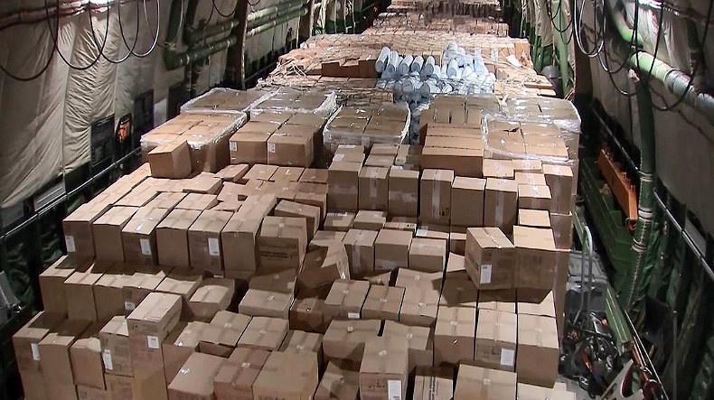Россия отправила излишки гуманитарной помощи в борьбе с коронавирусом даже устроителям антироссийских санкций - США.