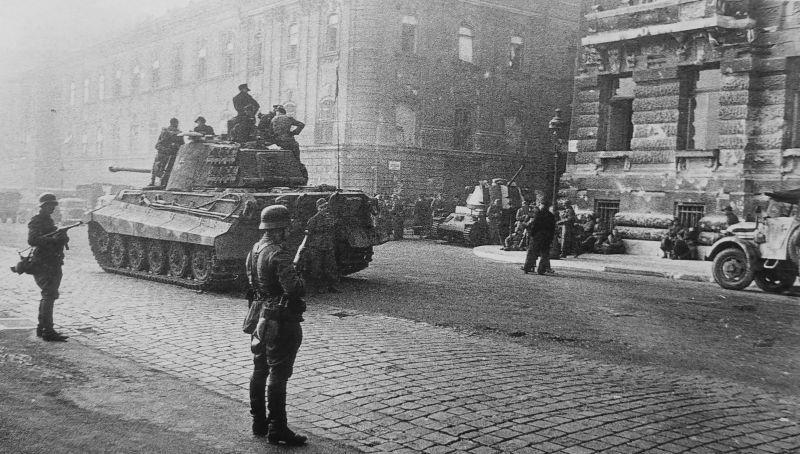 В Венгрию по приказу Гитлера вошли войска вермахта.