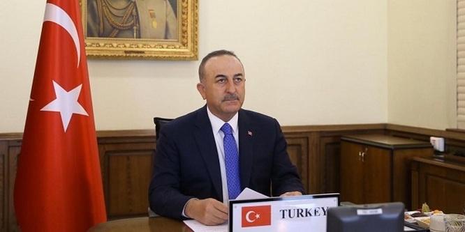 Министр иностранных дел Турции Мевлют Чавушоглу покинул конференцию из-за спора с Грецией по мигрантам.