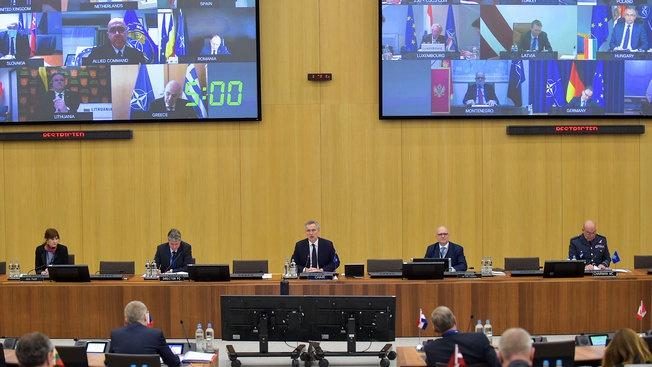 Превратится ли НАТО в «доброго доктора Айболита»?