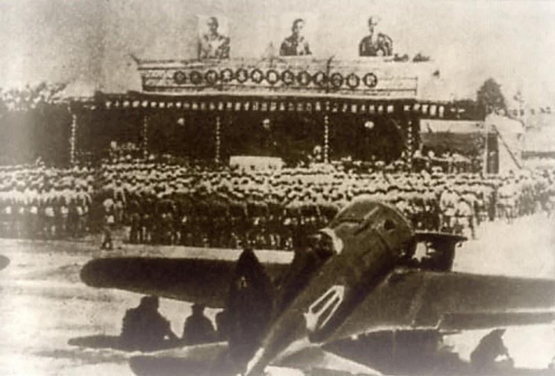 Передача советских самолётов Китаю.