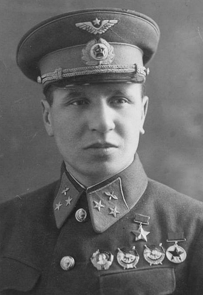 Генерал Фынь По, он же Фёдор Полынин.