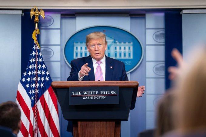 Президент Трамп объвил об антинаркотической операции в Карибском море.