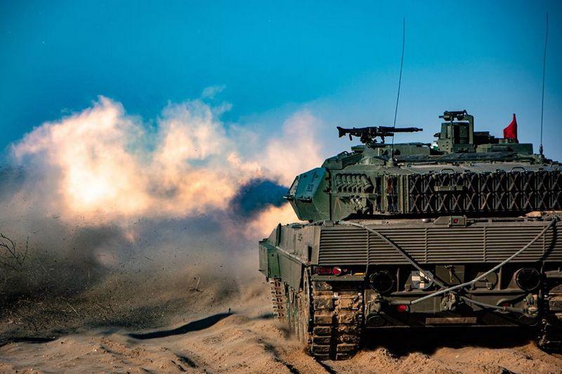 В конце марта на территории базы Адажи состоялись манёвры Iron Spear 2020 с участием национальной механизированной пехотной бригады и боевой группы расширенного присутствия НАТО.