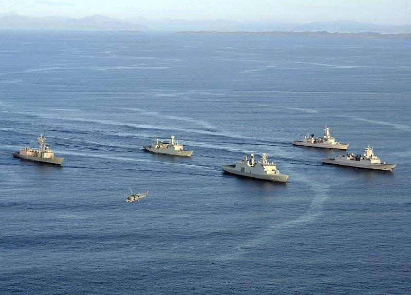 С 28 марта по 9 апреля у северо-западного побережья Шотландии состоялись масштабные морские манёвры Joint Warrior.