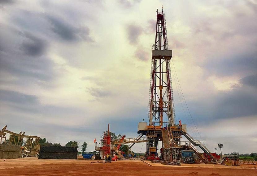 Технология добычи сланцевой нефти требует непрерывного бурения всё новых и новых скважин.