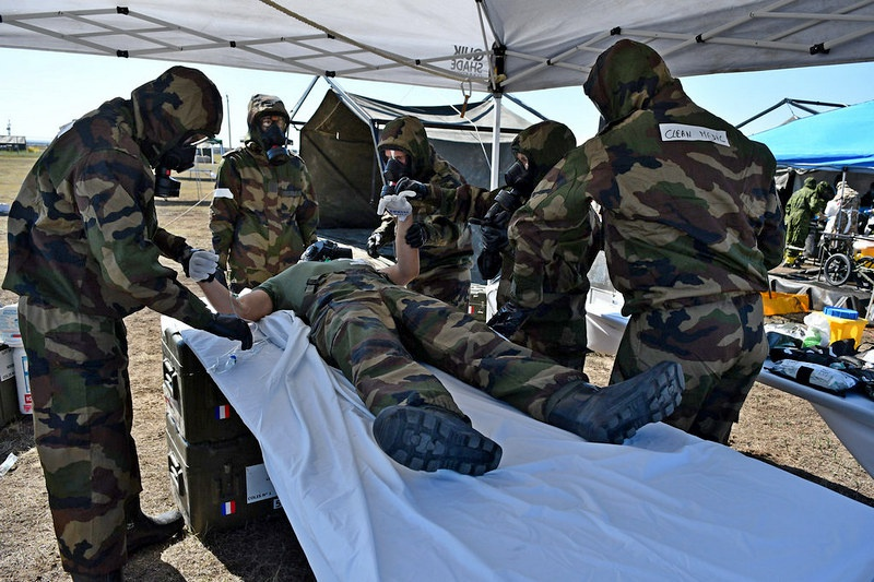 Военные учения НАТО Precise Response с участием мб РХБЗ прошли в 2017 году в Канаде.