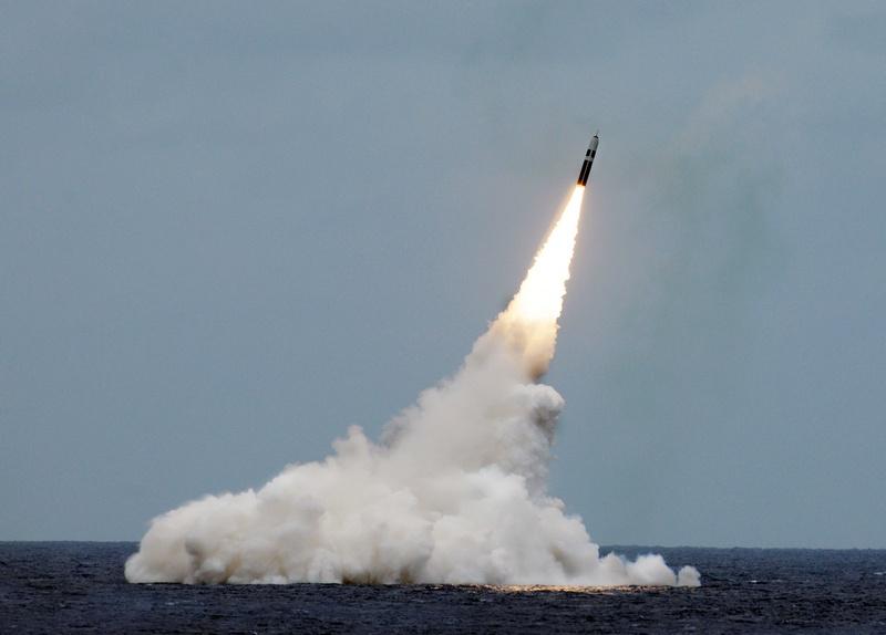 Существенная часть инвестиций шла на развитие стратегических вооружений.