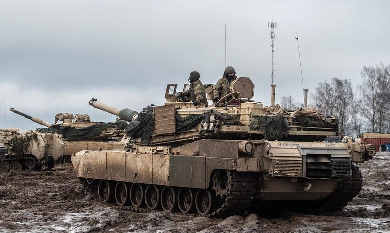 НАТО не прекращает военные игры у границ России.