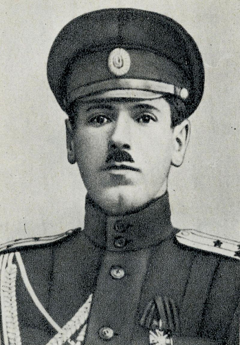 Октябрьскую революцию Борис Михайлович Шапошников встретил в чине полковника Русской императорской армии.