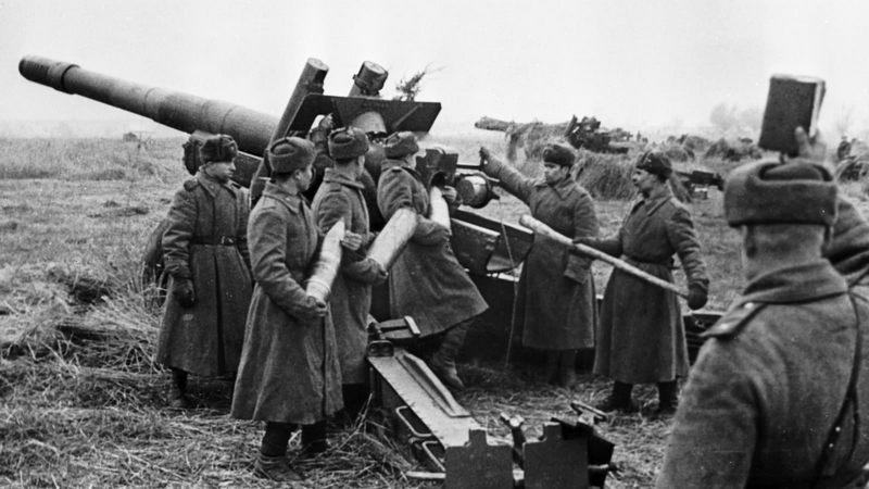 Советская артиллерия выпустила около 500.000 снарядов и мин всех калибров.