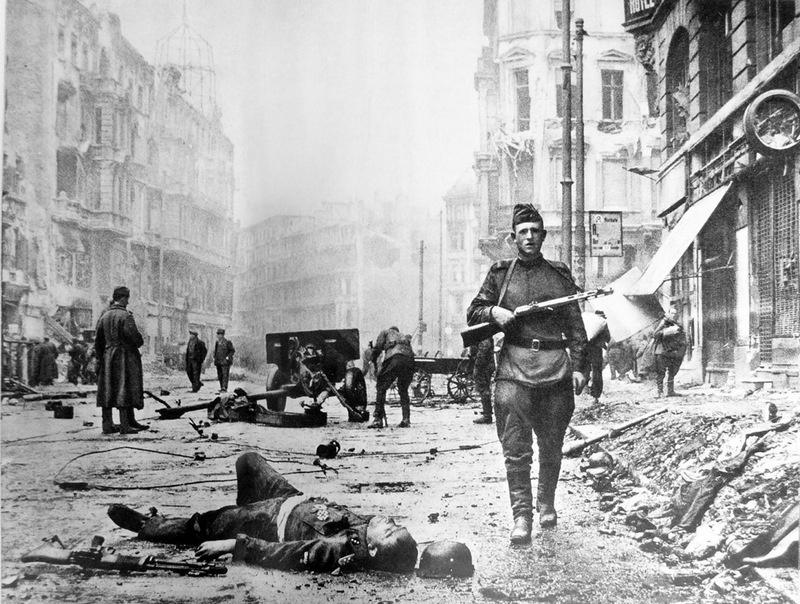 Бои в Берлине шли жесточайшие, на взаимное истребление.