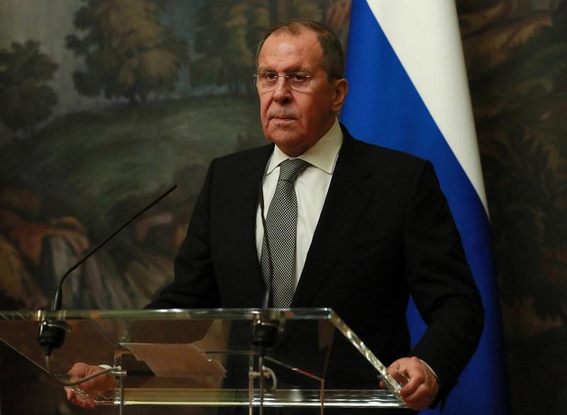 Министр иностранных дел РФ Сергей Лавров поведал, что страны ЕС были бы не прочь обратиться к россиянам за поддержкой, но власти США против таких обращений.