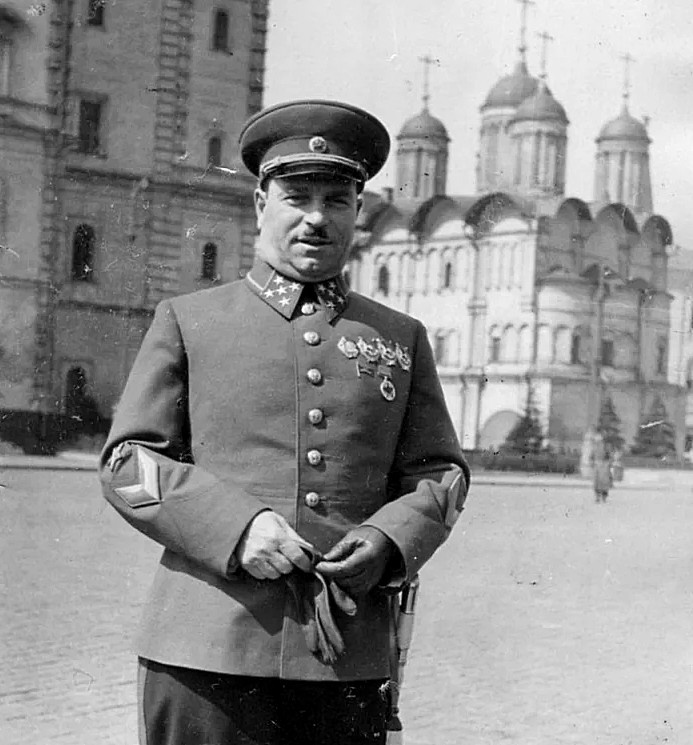 Генерал армии Иван Тюленев.