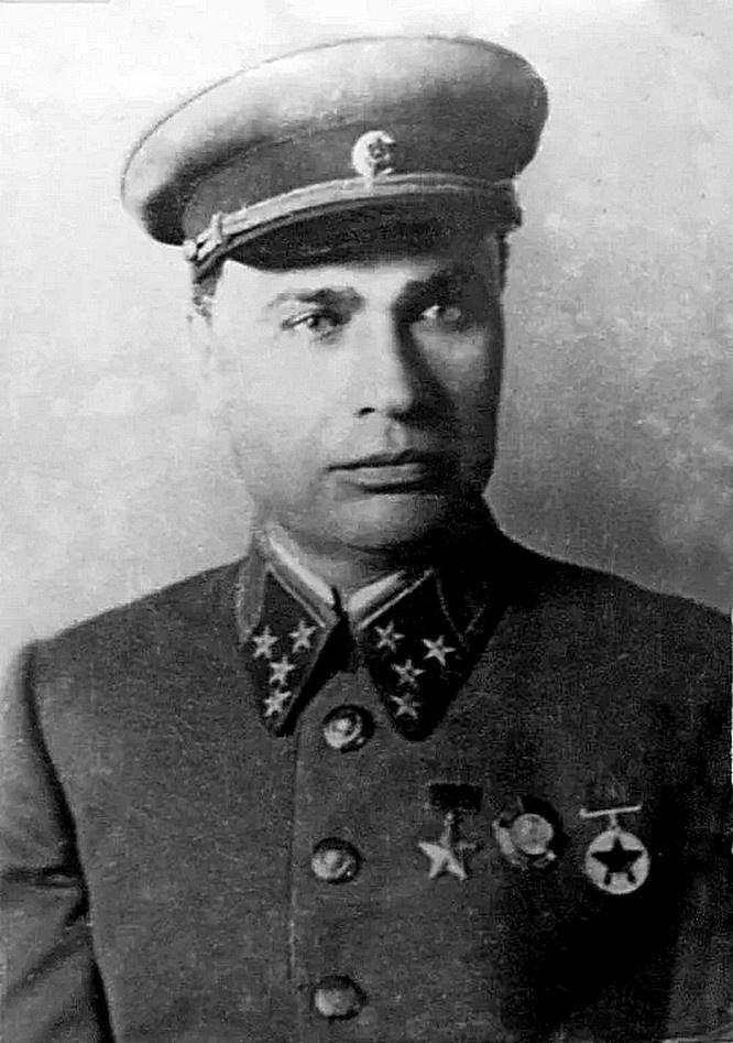 Генерал-полковник Михаил Кирпонос.