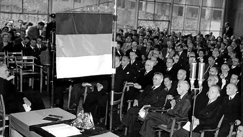 23 мая 1949 года была образована Федеративная Республика Германия.