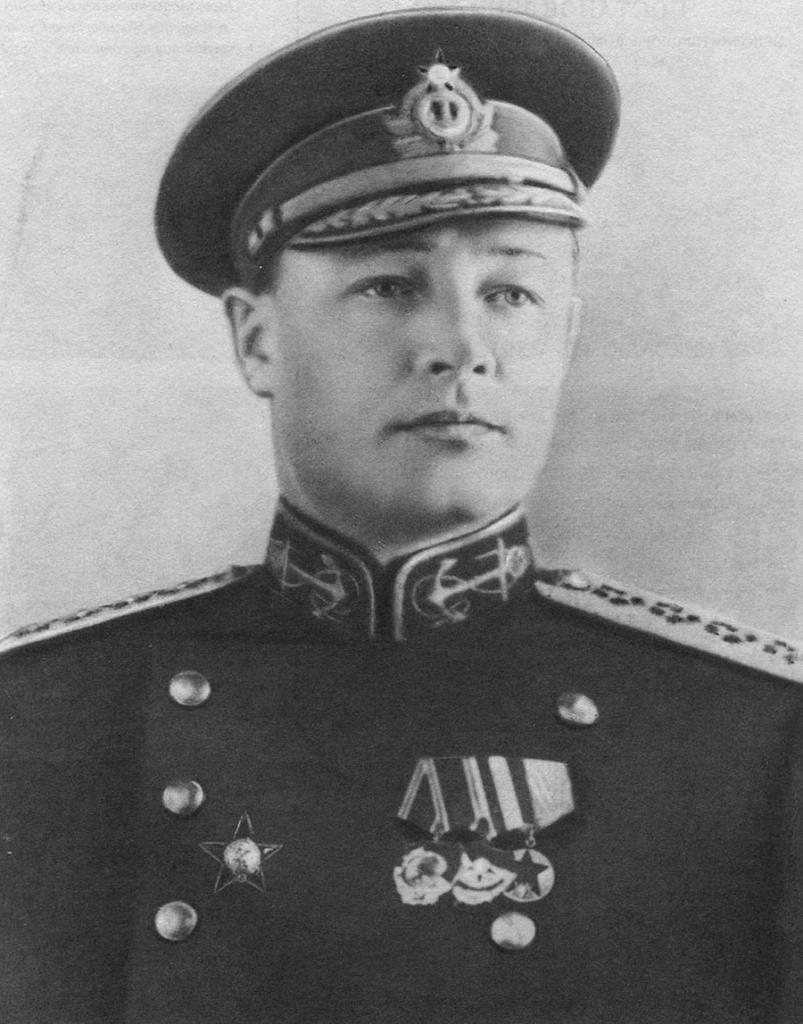 Народный комиссар Военно-Морского флота СССР адмирал флота Николай Кузнецов.