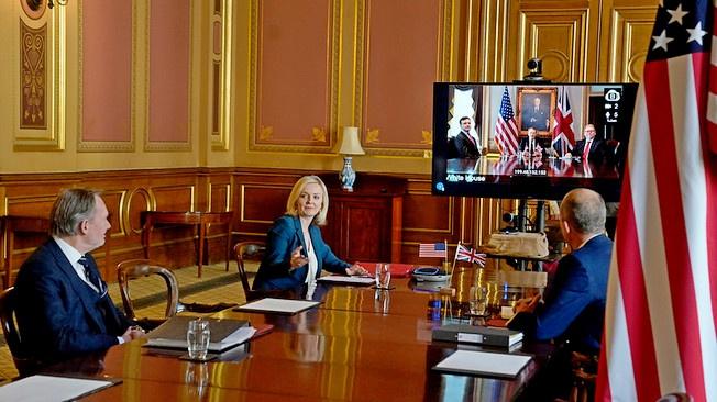 Вашингтон собирается нанизать Лондон на «англосаксонскую ось»