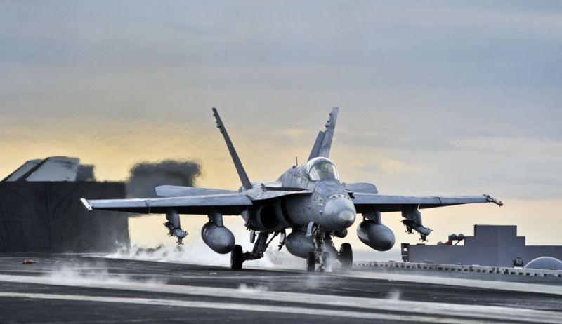 F-18 - однозначный фаворит в сравнении с Eurofighter.