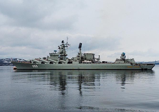Ракетный крейсер «Маршал Устинов» на несколько суток выходил из главной базы Северного флота Североморска в Баренцево море для отработки плановых задач боевой подготовки.