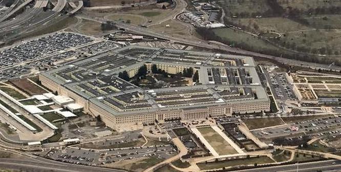 Американские эксперты Брэндс и Монтгомери предлагают Пентагону выбрать один из трёх вероятных сценариев оборонной стратегии.