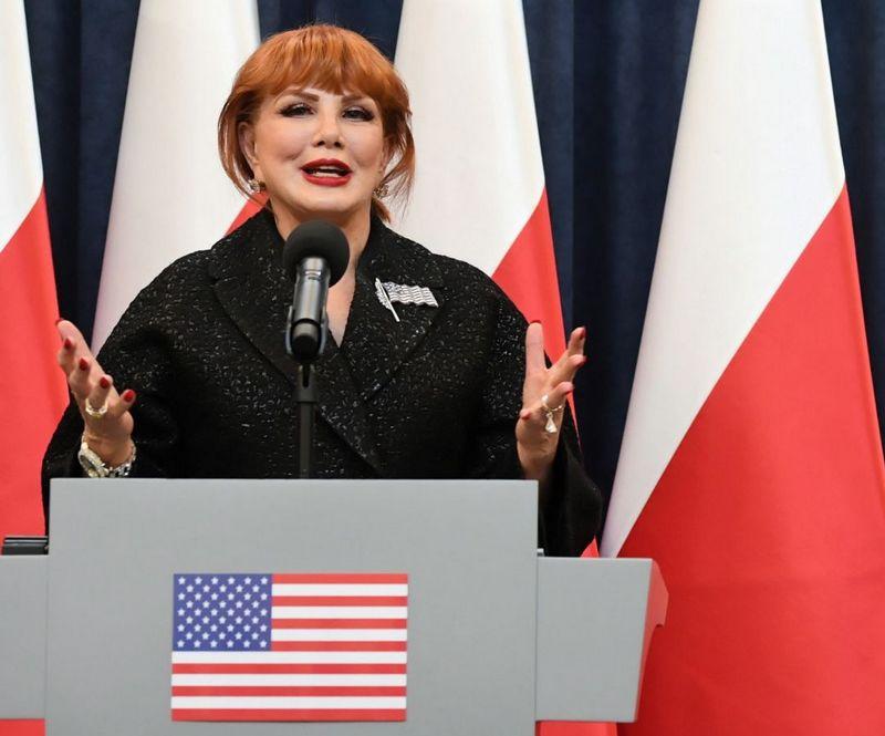 Посол США в Варшаве Джоржетт Мосбахер допустила, что американцы могут передислоцировать своё ядерное оружие из Германии в Польшу.