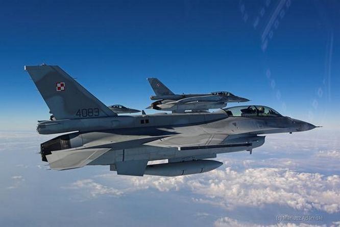 Самолёты F-16ВВС Польши принимают самое активное участие в регулярных натовских сверхсекретных учениях «Steadfast Noon», в ходе которых отрабатываются вопросы применения ядерного оружия.