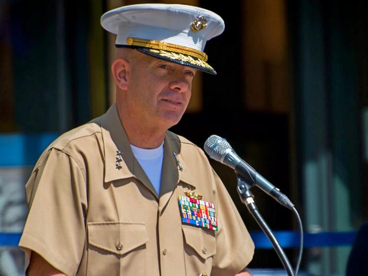 Командующий корпусом морской пехоты США генерал Дэвид Бергер является сторонником строительства большого числа кораблей с ограниченным сроком службы.