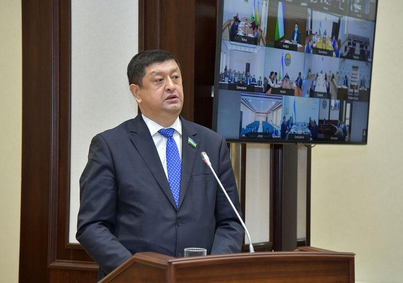 11 мая сенат Олий мажлиса Узбекистана одобрил присоединение республики к Евразийскому союзу в качестве наблюдателя.