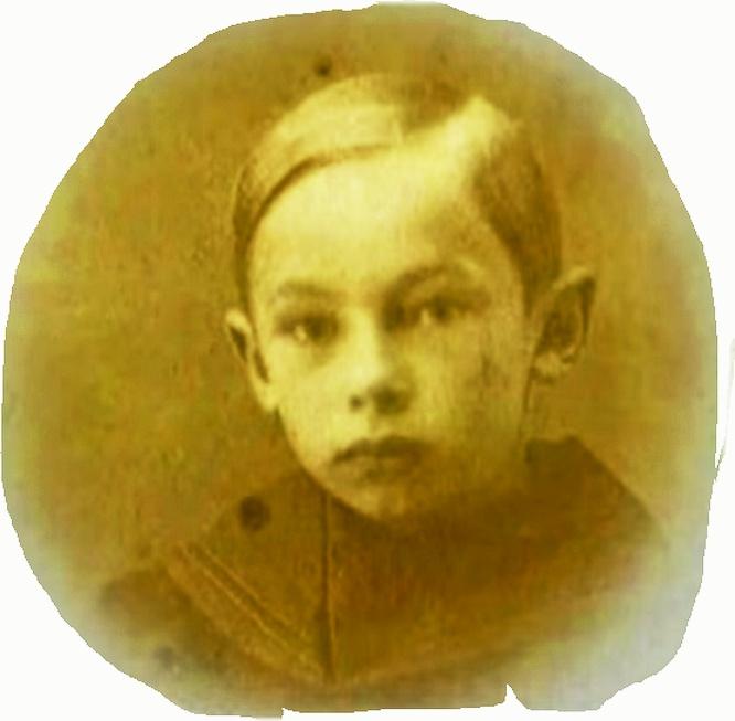 Александр Зацепинродился в1926 году вНовосибирске.
