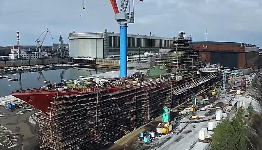 Атомный ракетный крейсер «Адмирал Нахимов» в настоящее время проходит модернизацию.