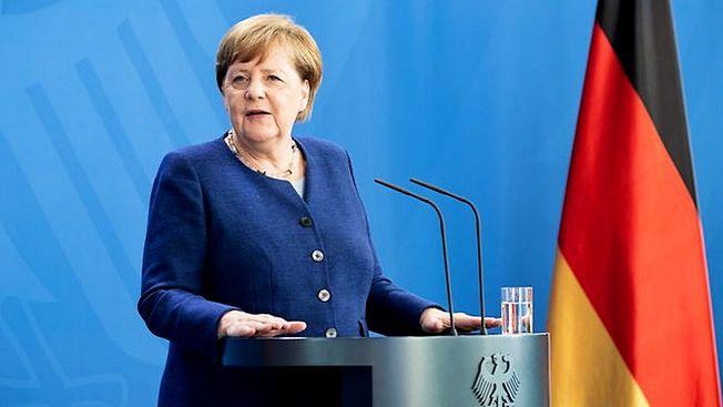 При определённых обстоятельствах Меркель всё же может решить остаться на посту.