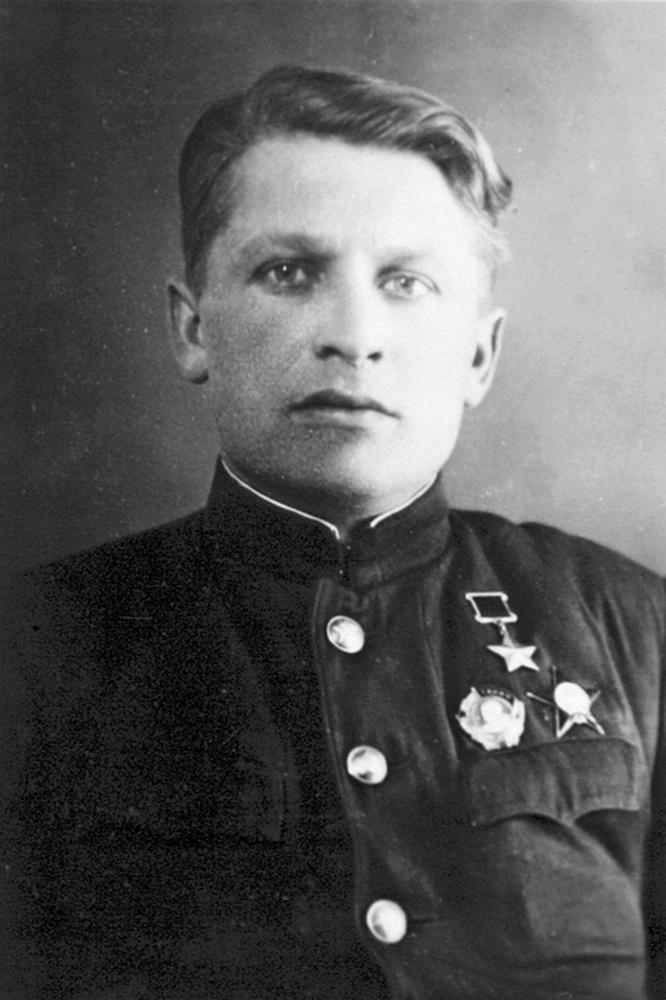 Герой Советского Союза Иван Лапшов.
