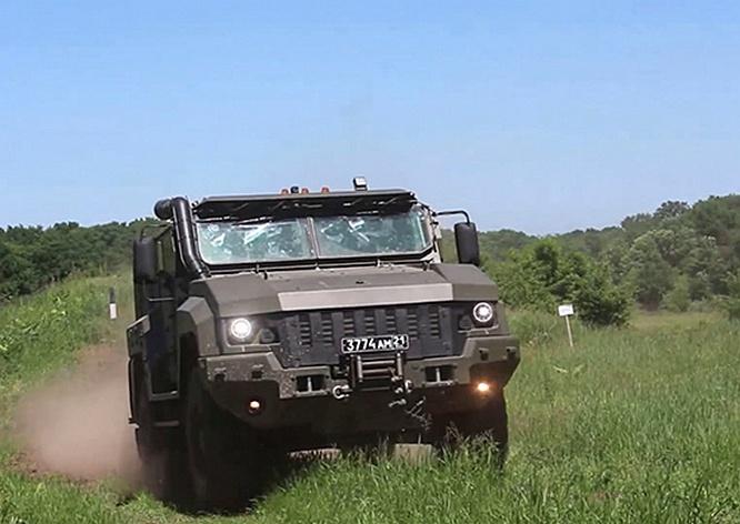 В соединение специального назначения ЮВО на Кубани поступила партия новых бронеавтомобилей «Тайфун».