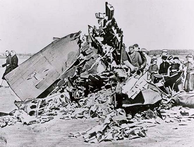 Обломки сбитого 1 мая 1960 года самолёта-разведчика Lockheed U-2.