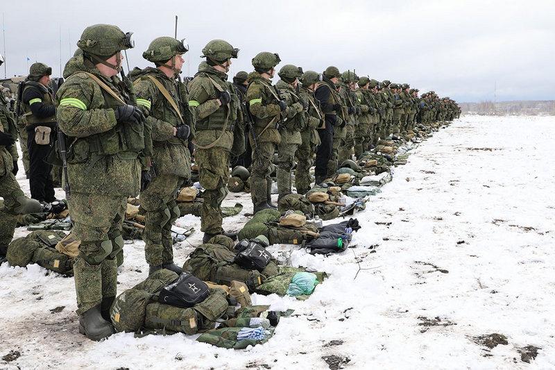 На полигоне Поливно гвардейцы провели зачётные стрельбы из автоматов АК-74М с комплектом модернизации КМ-АК «Обвес».