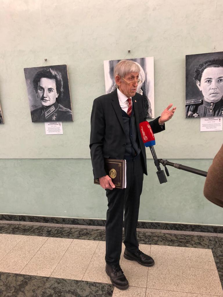 Асар Нуруллович Сафиулин, почётный член Российской академии художеств.