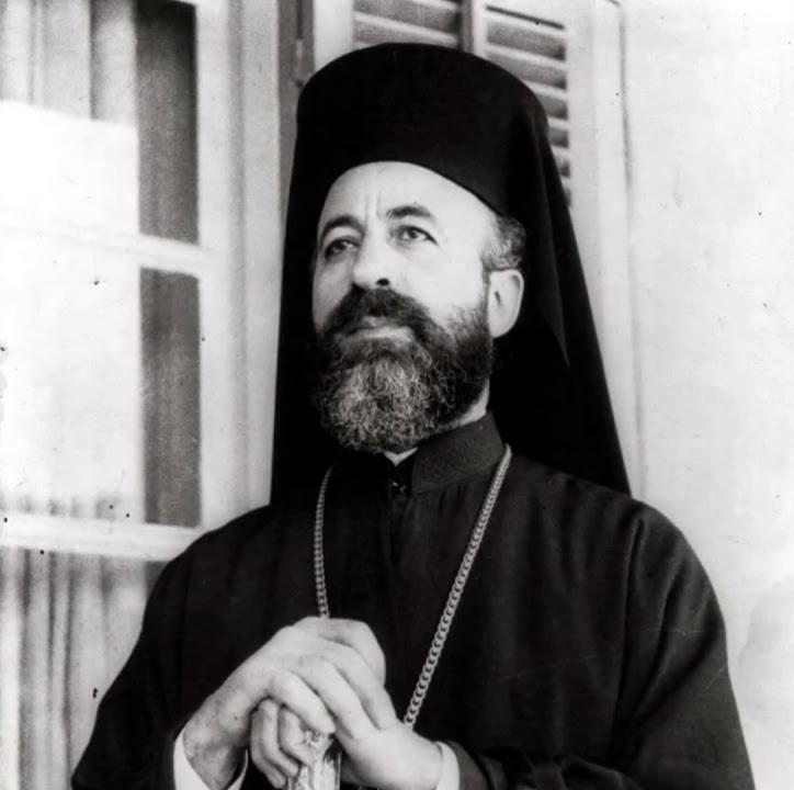 Архиепископ Макариос исполнял сразу четыре должности - президент республики, премьер-министр, главнокомандующий и глава православной церкви.