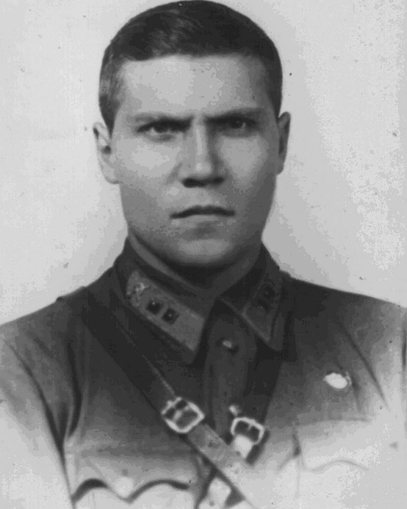 Лейтенант В. Бочкарёв.