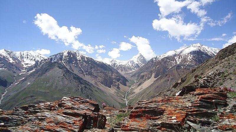 В районе Бадахшан хватает горных троп, которые не могут полностью держать под контролем китайские пограничные силы.