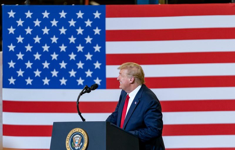 Трамп мечтает о таком былом величии, когда только у США была атомная бомба.