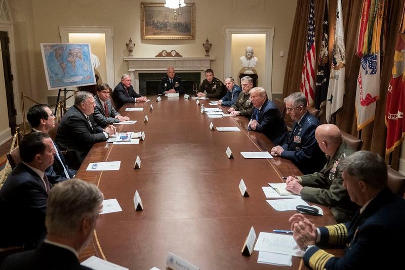 Можно представить, что генералы уже насоветовали американскому главковерху Трампу, который и сам повсюду лезет на рожон.