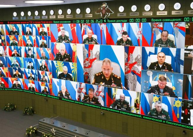 Министр обороны РФ генерал армии Сергей Шойгу провёл селекторное совещание с руководством Вооружённых сил.