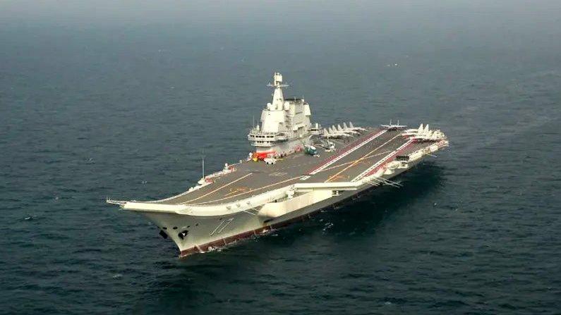Министерство национальной обороны Китая сообщило, что его первый отечественный авианосец «Шаньдун» в настоящее время проводит ходовые испытания.