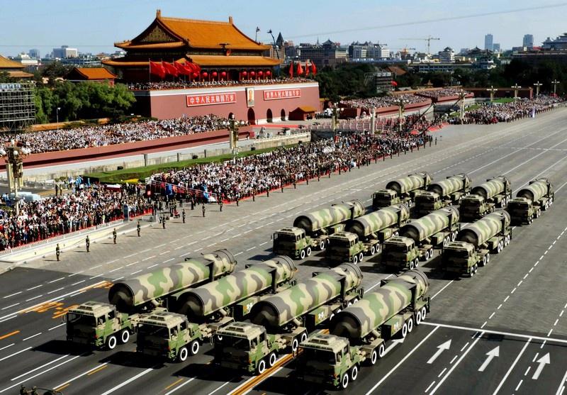 У Китая, по данным британских военных специалистов, на вооружении числится около 210 БРСД.