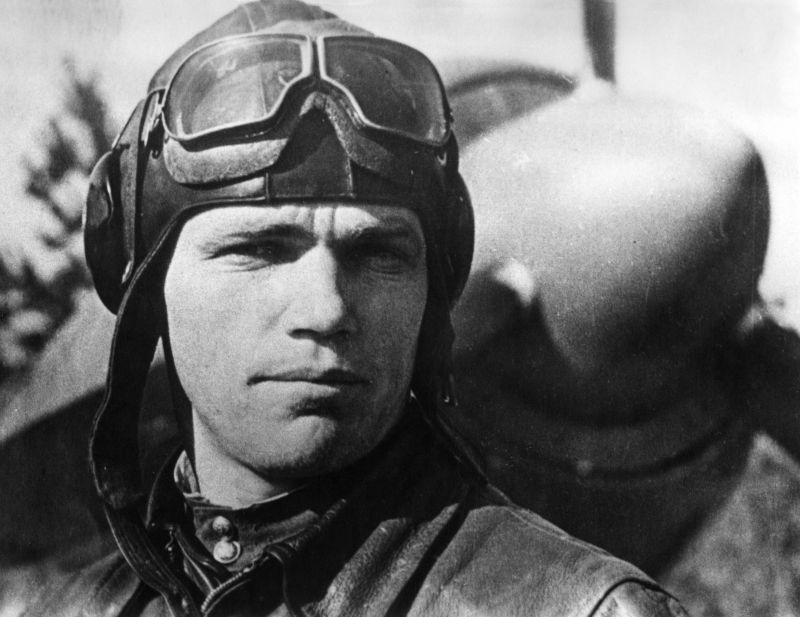 Молодой лётчик Иван Кожедуб.